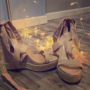 Size ten Mauve colored heels